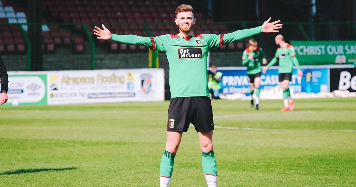 Курьезный гол в матче чемпионата Северной Ирландии