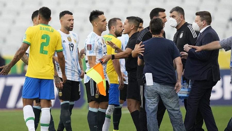 Матч Бразилия - Аргентина в рамках отбора на ЧМ-2022 был прерван из-за нарушения карантина