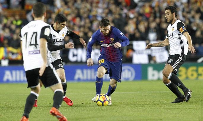 Вдогонку за «Реалом»: «Барселона» не без проблем выиграла у «Валенсии»