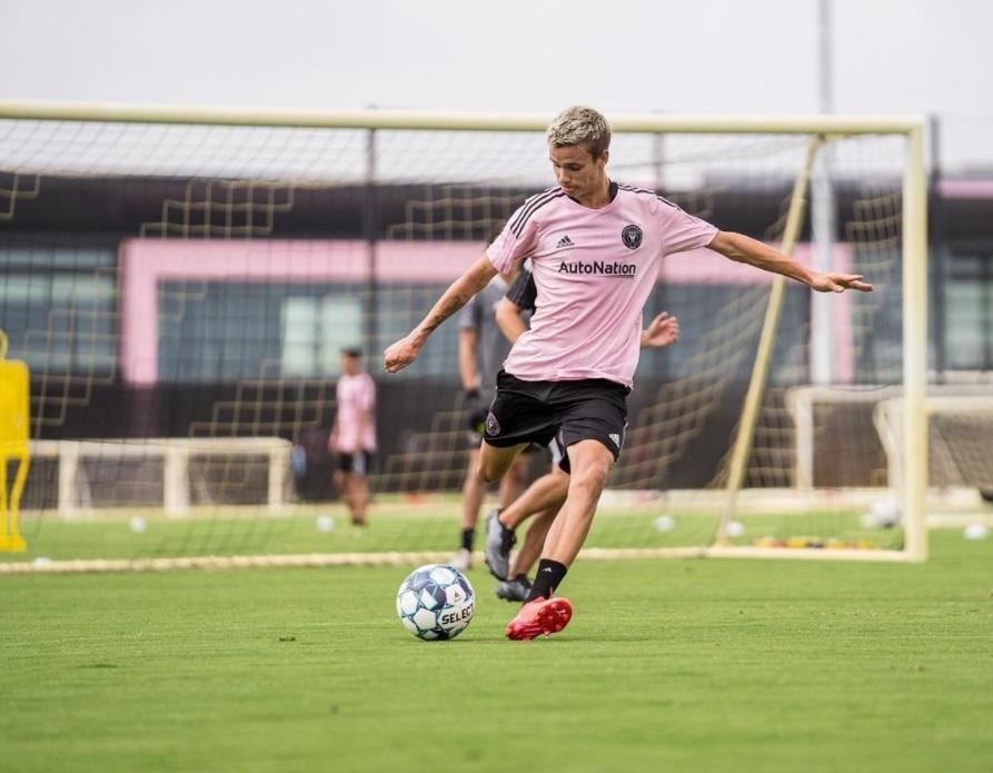 Средний сын Дэвида Бекхэма стал игроком ФК «Форт Лодердейл»