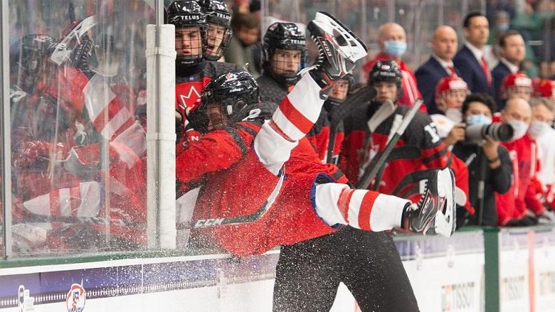 Канадцы оказались сильнее: сборная России проиграла в финале ЮЧМ-2021