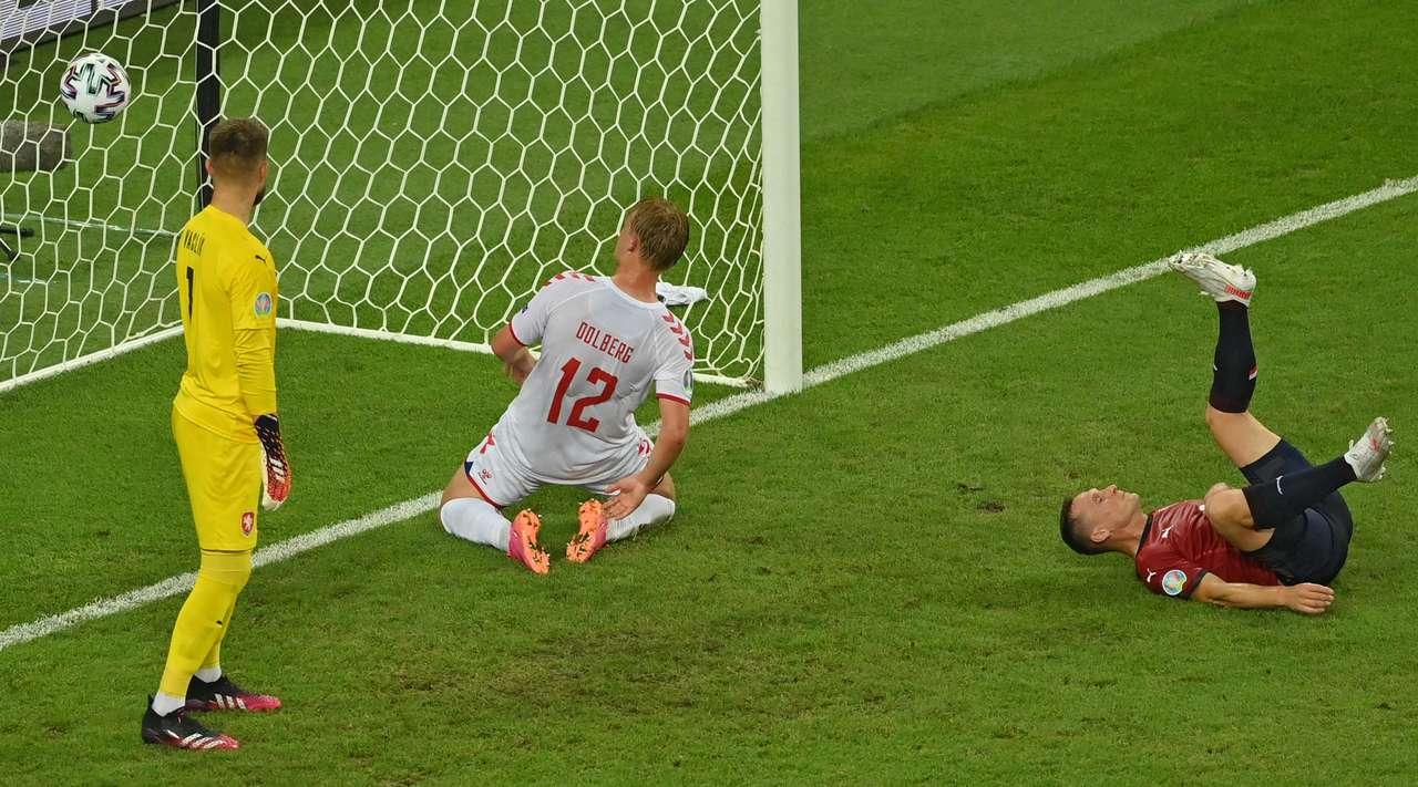 Сборная Дании уверенно выходит в полуфинал Евро-2020