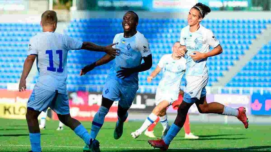 «Динамо» U19 прошлось «катком» по «Бенфике» U19 в рамках группового этапа Молодежной Лиги чемпионов УЕФА