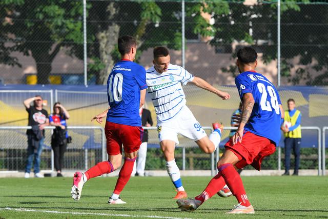 4:4 – результат товарищеского матча между киевским «Динамо» и «Базелем»