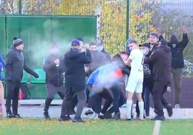 Футбольный поединок «Сумы» - «Перемога» закончился дракой фанатов