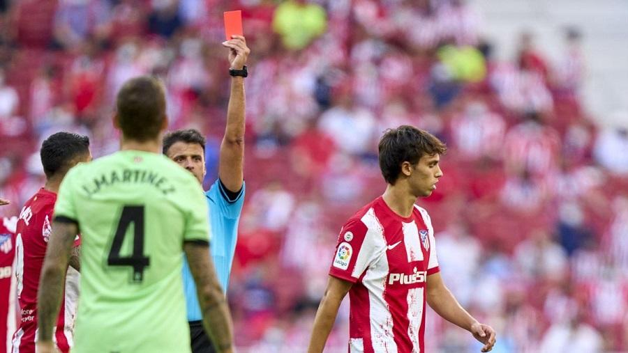 Нападающий мадридского «Атлетико» Жоау Феликс может быть дисквалифицирован на 12 матчей за оскорбление арбитра матча