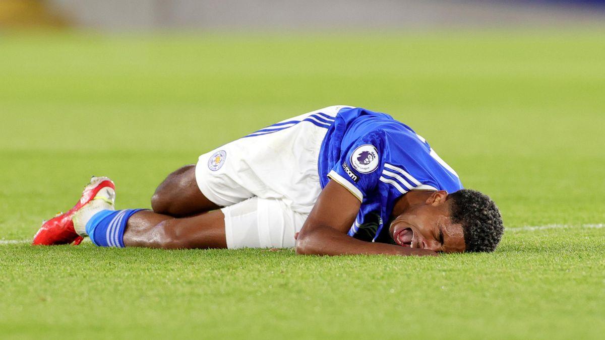Игроку Лестер Сити Уэсли Фофане сломали ногу во время матча против испанского Вильярреала