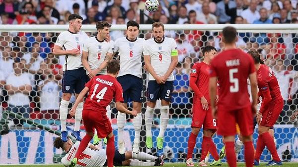 Английские СМИ: гол сборной Дании в матче 1/2 Евро-2020 нельзя было засчитывать