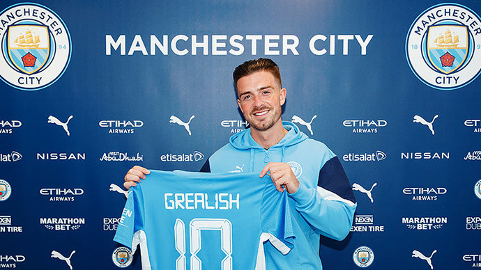 Манчестер Сити объявил о подписании английского хавбека Джека Грилиша из Астон Виллы
