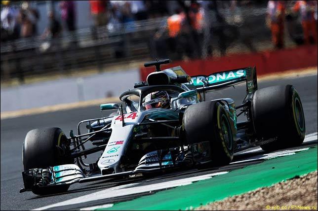 Льюис Хэмилтон стал триумфатором Гран-при Великобритании после того, как отправил Макса Ферстаппена в больницу