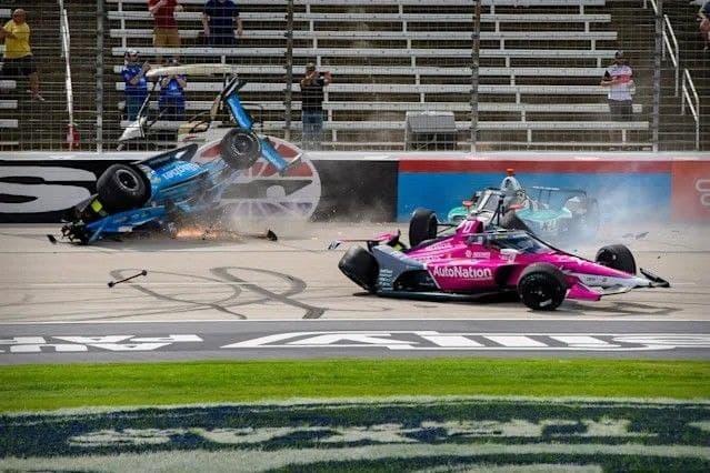 """Авария в IndyCar на старте гонки этапа """"Форт-Уорт"""""""