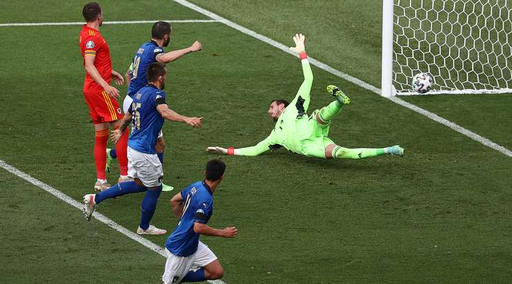 """Италия обыграла Уэльс на Евро-2020 и повторила свой рекорд """"сухих"""" 1000 минут"""