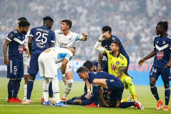 Игрок «Бордо» потерял сознание в матче против «Марселя»