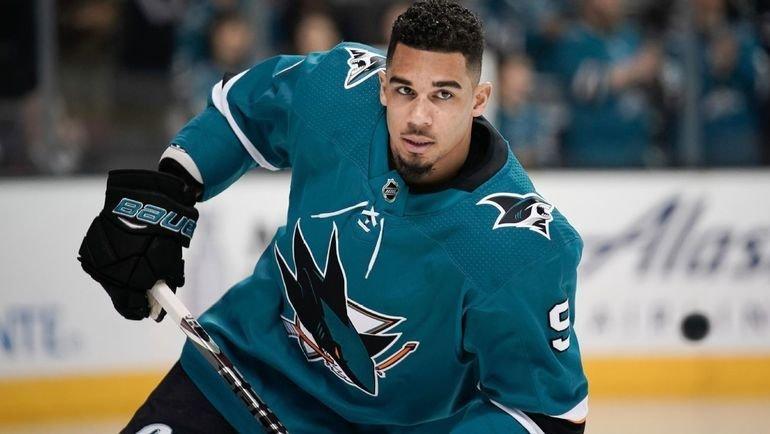 НХЛ откроет расследование в отношении хоккеиста Эвандера Кейна за букмекерские ставки