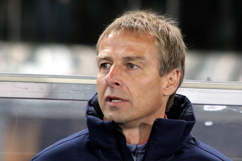 Возглавить сборную Украины по футболу может иностранный тренер