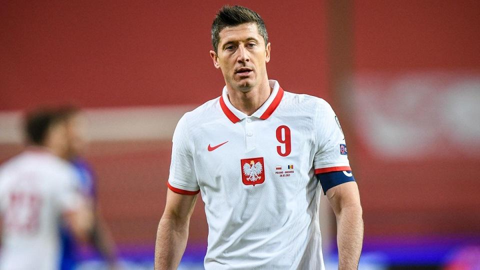 Игроков сборной Польши, среди которых нападающий мюнхенской «Баварии», подозревают в покупке поддельных дипломов