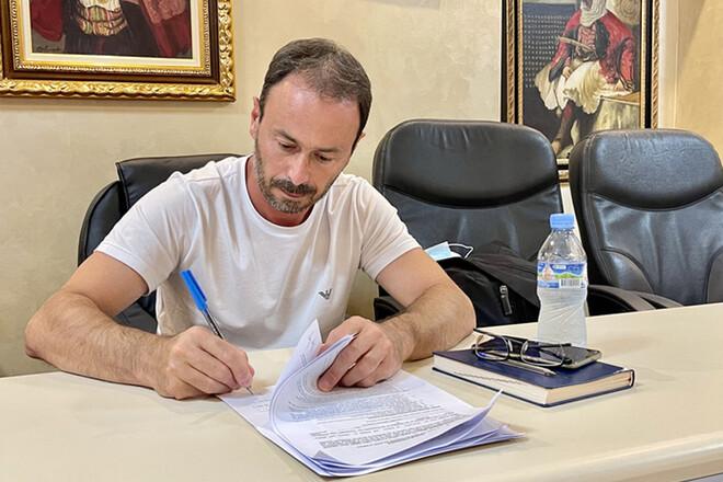 Бывший тренер киевского «Динамо» Диего Лонго подписал контракт с албанским «Кукеси»