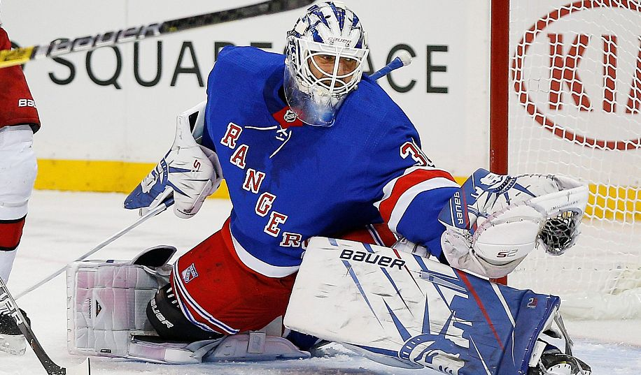 Легендарный шведский хоккеист Хенрик Лундквист объявил о завершении своей карьеры в НХЛ