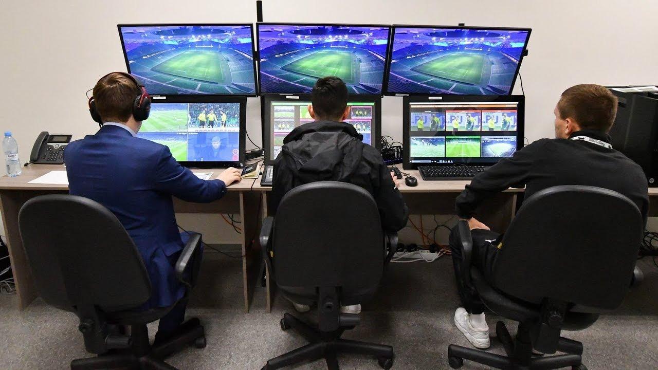 Система VAR была ошибочно задействована в матче РПЛ