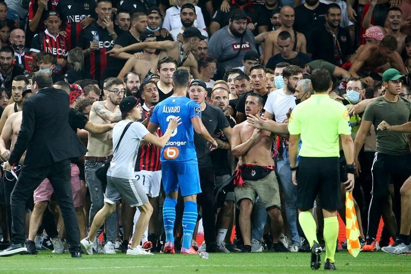 Матч «Ницца» - «Марсель» был прерван болельщиками