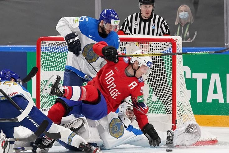 Сборная Казахстана значительно ухудшила свои шансы на выход в плей-офф ЧМ-2021 по хоккею