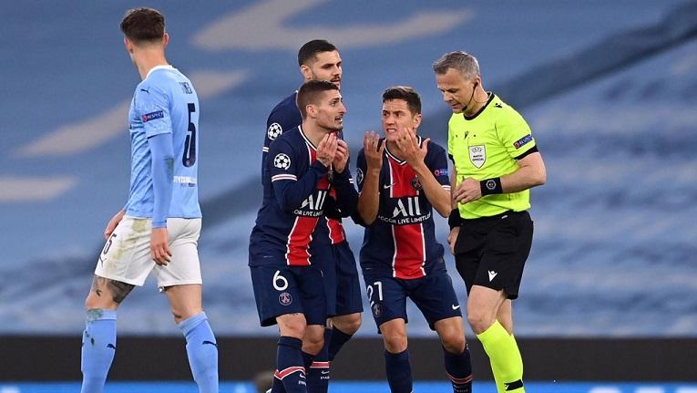 Футболисты ПСЖ обвиняют арбитра в оскорблениях после полуфинала в Лиге чемпионов