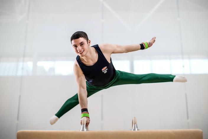 Гимнаст из Ирландии развенчал миф о «антисекс-кроватях» в Олимпийской деревне