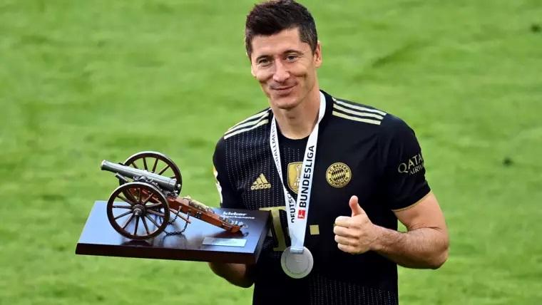 Нападающий ФК «Бавария» Левандовски установил новый рекорд Бундеслиги
