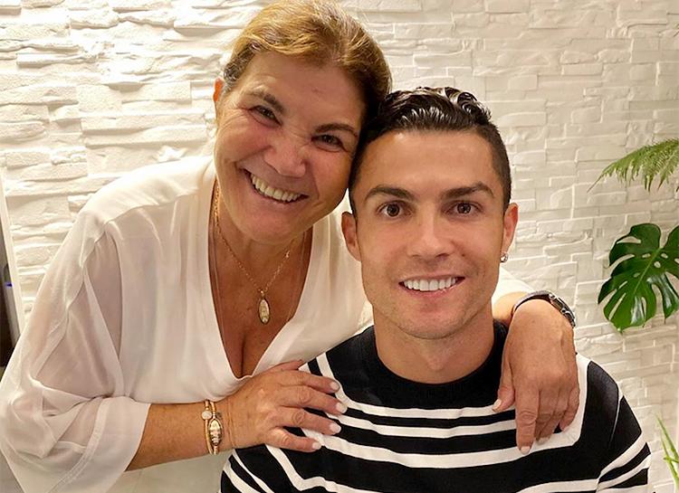 Криштиану Роналду может вернуться в португальский «Спортинг», если его уговорит мама