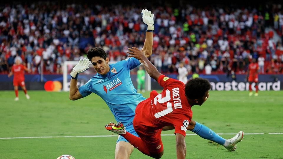 В матче «Севилья» - «Зальцбург» группового этапа Лиги чемпионом был установлен рекорд по назначенным пенальти