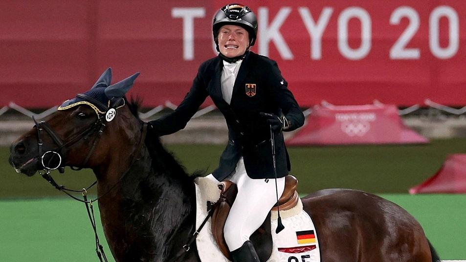 На Олимпиаде в Токио произошел курьез с лошадью и немецкой спортсменкой
