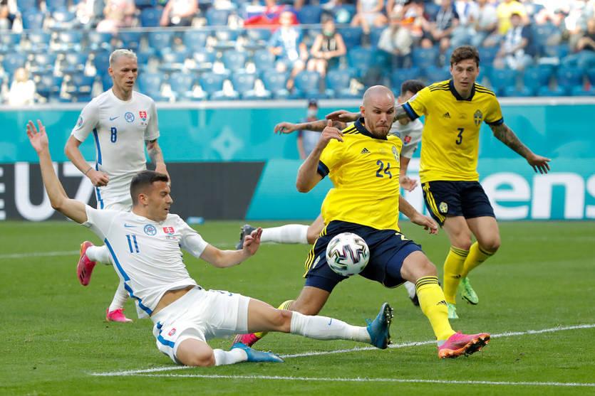 Сборная Швеции при слабой игре выиграла у сборной Словакии на Евро-2020