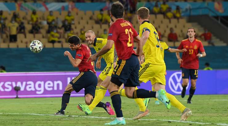 Сборная Испании потеряла очки в матче со Швецией на Евро-2020