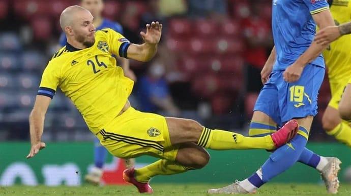 Футболист сборной Швеции, который травмировал Артема Беседина на Евро-2020, принес свои искренние извинения