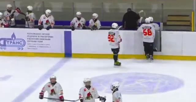 Белорусский тренер ударил клюшкой 12-летнего хоккеиста