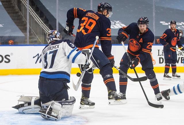 «Виннипег» выиграл первую игру против «Эдмонтона» в 1/8 Кубка Стэнли