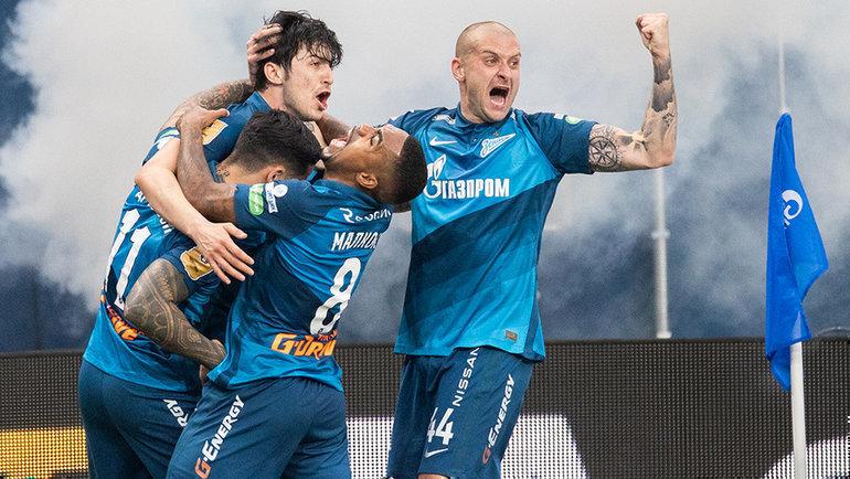 Питерский «Зенит» стал чемпионом России по футболу 3-й раз подряд